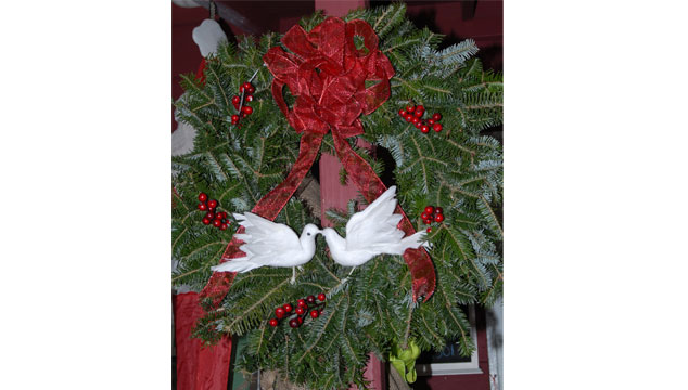 wreath-doves